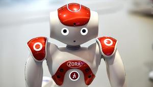 هذا الروبوت يساعد الأطباء والممرضين في غرفة الولادة