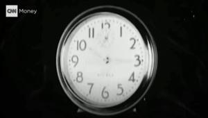 هكذا كان يستيقظ الموظفون لأعمالهم قبل ابتكار ساعة المنبه