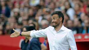 خسائر برشلونة المتتالية.. هل تعجل بإقالة لويس إنريكي؟