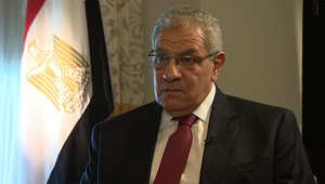"""رئيس وزراء مصر يتحدث عن """"تسريبات السيسي"""" ومرشحي الوطني وصحفيي الجزيرة وسجناء الإخوان"""