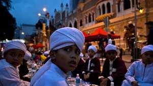 """تقارير: طريق تأسيس المصرف الماليزي الإسلامي العملاق يمر بالإمارات.. وجهود لضمان استثمارات """"آبار"""""""