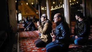 """ما هو """"أكل السحت"""" المذكور بالقرآن ولماذا يحرمه الإسلام.. وهل هناك """"أشكال عصرية"""" له؟"""