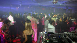 حفلة راقصة في أحد فنادق العاصمة البحرينية المنامة