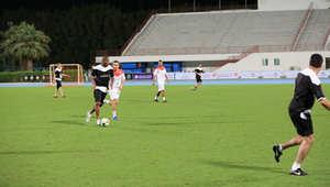 مارادونا يشارك في الإمارات في أطول مباراة في تاريخ كرة القدم