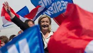 """رئيسة الجبهة الوطنية في فرنسا تنشر صور إعدامات """"داعش"""" احتجاجًا على تشبيه حزبها بهذا التنظيم"""