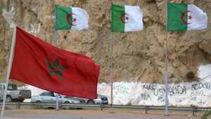 مغاربة وجزائرون يتبادلون التحايا عبر حدود مغلقة بين جارين يجمعهما الكثير