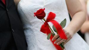 تقرير: الجزائريون والمغاربة والتونسيون أكثر الأجانب زواجا بالفرنسيين