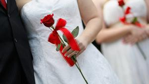 طالبت 60 جمعية تونسية بسحب مذكرة تمنع على التونسيات الزواج من رجال ليسوا مسلمين