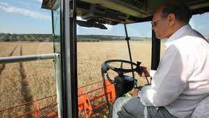 الرئيس التونسي منصف المرزوقي يشرف على افتتاح موسم الحصاد شمال غرب تونس