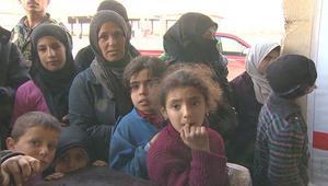 الهجوم على حلب مستمر.. ونازحون: نخاف الموت جوعا