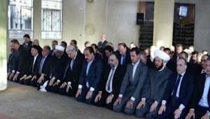 الأسد يصلي العيد في داريا.. أولى مدن المعارضة