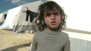 """""""تفضلوا لشرب الشاي"""".. الإنسانية مستمرة في مخيمات شمال سوريا"""