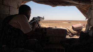 عدسة CNN تنقل من الخطوط الأمامية مشاهد معارك النظام السوري ضد داعش