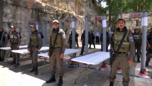 إسرائيل تنشر كاميرات مراقبة بالقدس وصراع نفوذ بالمكان المقدس