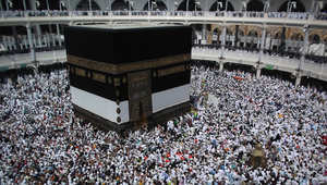 """""""يوميات حاج"""" بعدسة CNN.. مشاهد روحانية من مكة والمدينة كأنك برفقته"""