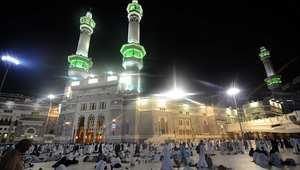 """مفتي السعودية يحذر من """"الحيل لاستحلال الحرام"""" في الأموال ويشرح صيغة """"دعاء قضاء الدين"""""""