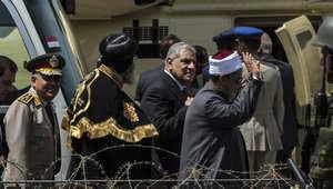 محلب يعرض استقالة حكومته على السيسي وترقب لإعادة تكليفه