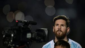 ميسي يوبخ الإعلام الأرجنتيني ويعلن مقاطعته