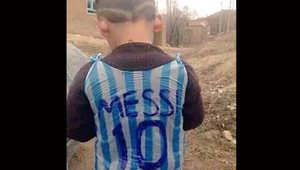 هل هو من العراق أم تركيا؟ ساعدوا في التعرف على هذا الفتى بالصورة