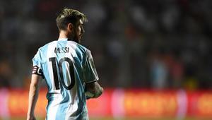 ميسي يعيد الأمل للأرجنتين بالوصول للمونديال