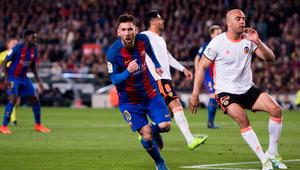 بعد فوز الريال على بلباو...برشلونة يكتسح فالنسيا برباعية