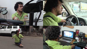 بالفيديو: مهندس وسائق وعازف ومخترع.. شاب بلا أطراف يتحدى الواقع ويحقق أحلامه