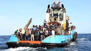 تقارير عن مصرع العشرات غرقاً بعد سقوطهم من قارب يقل مهاجرين إلى أوروبا