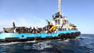 غرق قارب كان يقلّ مئات المهاجرين المغاربة في المياه الليبية