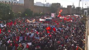 مئات آلاف المغاربة يتظاهرون ضد بان كي مون وشعارات تصفه بالجبان