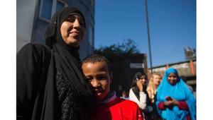 الخوف يلقي بظلاله على عدد من مسلمي لندن بعد دهس مصلين أمام مسجد