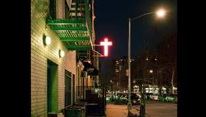 جولة في ليالي نيويورك.. مزيج بين ناطحات السحاب وأضواء النيون الساطعة