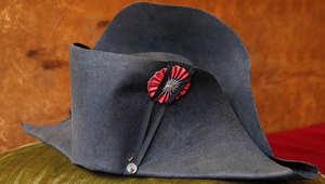 قبعة نابليون بونابرت الشهيرة