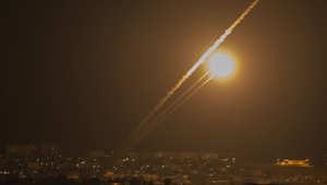 صاروخ أطلقته حركة حماس بعد أن توعدت بقصف تل أبيب