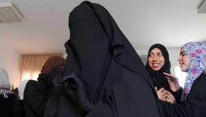 وزارة التعليم التونسية تحظر ارتداء النقاب داخل المدارس وتهدّد بطرد معلمة ترتديه