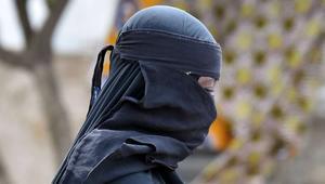 تجدّد النقاش العمومي في تونس حول النقاب وإمكاينة منعه في الفضاءات العمومية،