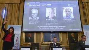 لحظة الإعلان عن الفائزين بجائزة نوبل للكيمياء