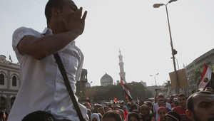 """مصر: فضيحة جنسية لرجل ملتح تتحول لأبرز جبهات المواجهة بين السلفيين والأحزاب.. و""""النور"""" يندد بـ""""المشوهين"""""""