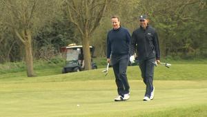 بالفيديو: أوباما يلعب جولف مع كاميرون على هامش زيارة إلى بريطانيا