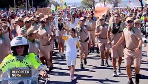 طفلة لاجئة سورية تحمل الشعلة الأولمبية في البرازيل