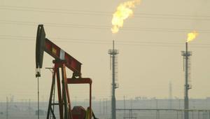 الجزائر والعراق ينضمان إلى السعودية في تمديد اتفاق تخفيض إنتاج النفط