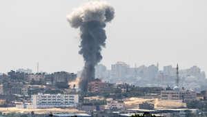 سحب دخان تتصاعد بعد قصف إسرائيلي على غزة