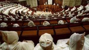 لا يزال جدل المطالب بإلغاء أو تخفيض معاشات البرلمانيين والوزراء جاريًا في المغرب