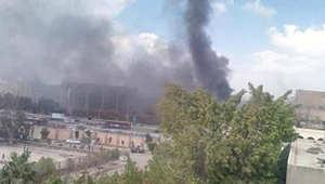 عشرات من رجال الإطفاء يعملون لإخماد حريق هائل بقاعة المؤتمرات بمدينة نصر