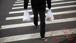 """تكلفة استبدال الأكياس البلاستيكية """"تُرهق"""" جيوب المواطنين في المغرب"""