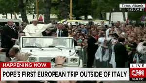 """بابا الفاتيكان ينتقد الميليشيات الدينية: لا أحد يمكنه التصرف كـ""""درع للرب"""""""