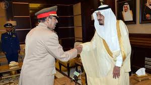 الأمير سلمان: المملكة قائمة على الشريعة والقوات المسلحة تحمي حدودها.. ورئيس الأركان مستعد للأوامر