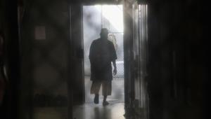 تأجيل ترحيل سعودي من غوانتانامو عقد صفقة مع المحققين