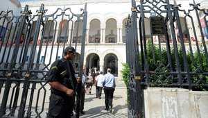 """القضاء التونسي يفتح تحقيقًا في وفاة معاق ذهنيًا إثر اشتباه أسرته بتعرّضه لـ""""التعذيب"""""""