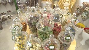 شوكولاتة بزعفران ومانجا وفستق بطعم الورد.. متجر بحريني يسعى لغزو العالم