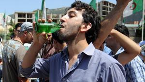 """""""وكالين رمضان"""" في الجزائر.. بين احترام الحريات الفردية و""""استفزاز"""" مشاعر المسلمين"""